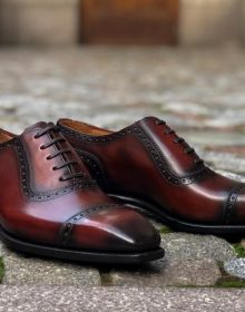 oxford shoes burgundy color