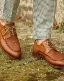 Handmade Light-Burnished Grain Calf on a pair of unique sport casual Derbies, small perforations on vamp for men