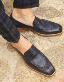Featuring Chisel Split Toe Make Loafer / hand painted calf and natural leather soles