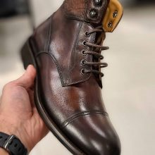 Hand-stitched Cowhide leather men boots in Brown color