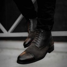 Hand-stitched Cowhide leather men boots in Gray Color
