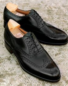 Handgrade Classic Oxford with wing tips in black box calfskin shoes for men